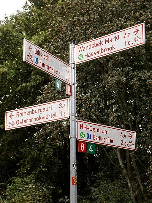 Wegweiser Velorouten in Hamburg, Foto: Uwe Rohwedder, CC-BY-SA-4.0