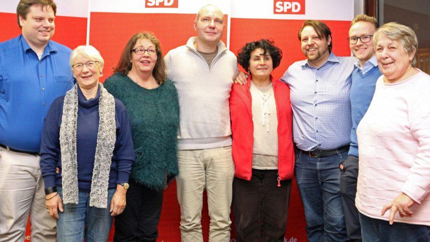 Kandidat/innen der SPD für den Wahlkreis 4: Oliver Kretschmann, Susanne Kröger, Christine Krahl, Carsten Heeder, Fariba Hatami, Andreas Ernst, Max Maybaum, Ingrid Frost (v.l.n.r), Foto: SPD