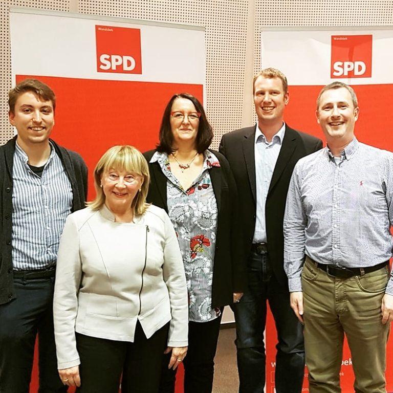 SPD-Kandidat/innen im Wahlkreis 5 (Wellingsbüttel, Sasel). V.l.n.r.: Björge Köhler, Kristel Gießler, Christina Buss, Nicolai Rehbein und André Schneider. Nicht auf dem Bild: Kerstin Steden-Vagt.