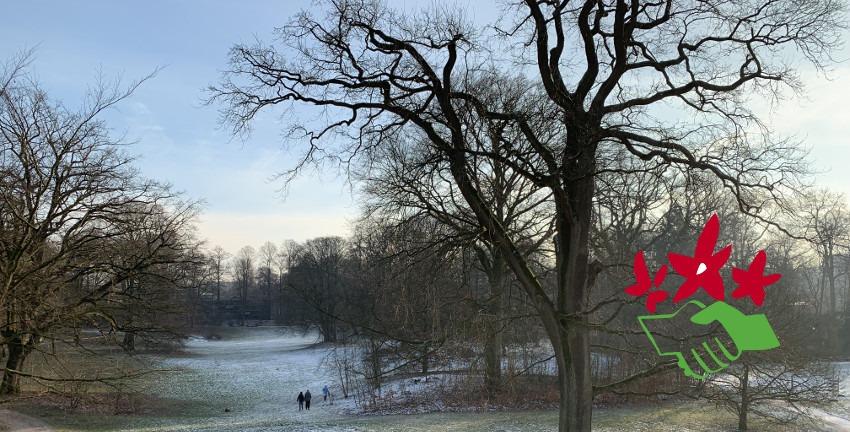 Naturfreunde, Logo vor dem Berner Gutspark in Hamburg-Farmsen-Berne, Januar 2019