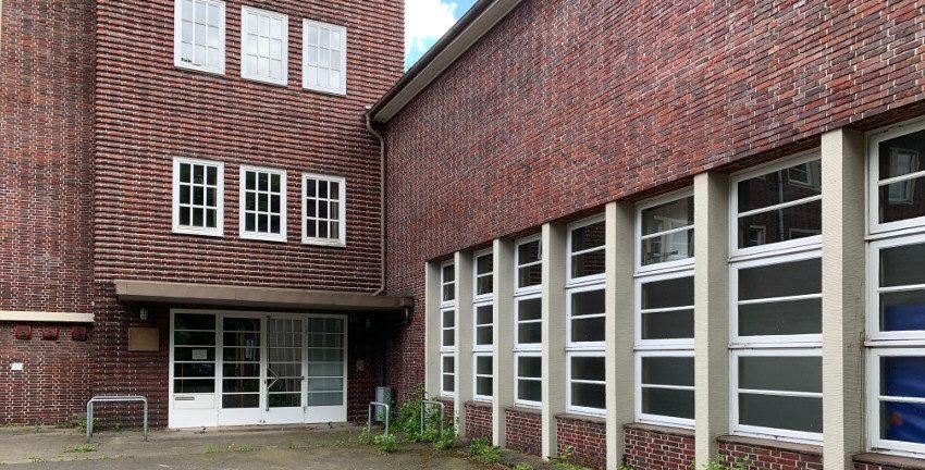 Schulgebäude in der Lienaustraße, Hamburg-Farmsen-Berne, Juni 2019 (Foto: Marc Buttler)