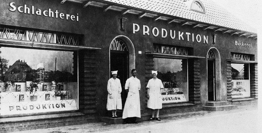 """Die """"Produktion"""", das heutige Gemeinschaftshaus Berne vor fast hundert Jahren. Foto: Archiv der Gartenstadt Hamburg eG"""