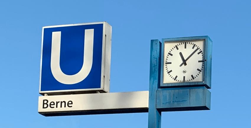 Bahnhof Berne der Walddörferbahn (U-Bahnlinie 1) in Hamburg-Farmsen-Berne; Foto: Marc Buttler