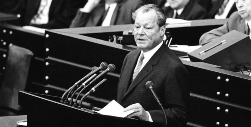 Bundeskanzler Willy Brandt, Bericht zur Lage der Nation im Bundestag am 28. Januar 1971; Presse- und Informationsamt der Bundesregierung - Bildbestand (B 145 Bild), B 145 Bild-F033246-0009, CC-BY-SA-3.0-DE, Foto: Ludwig Wegmann