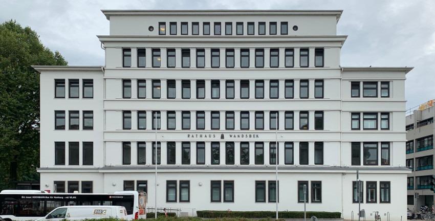 Rathaus Wandsbek/Stormarnhaus, Sitz des Bezirksamtes Wandsbek (2020); Foto: Marc Buttler