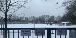 Sportplatz Berne im Schnee