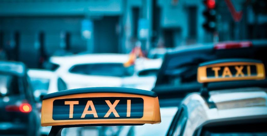 Taxi, Bild: Michael Gaida/Pixabay