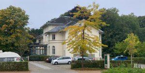 Berner Schloss im Herbst